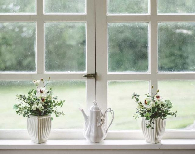 Glass Cleaning Do's and Don'ts